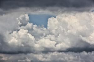 hole in clouds (640x427)