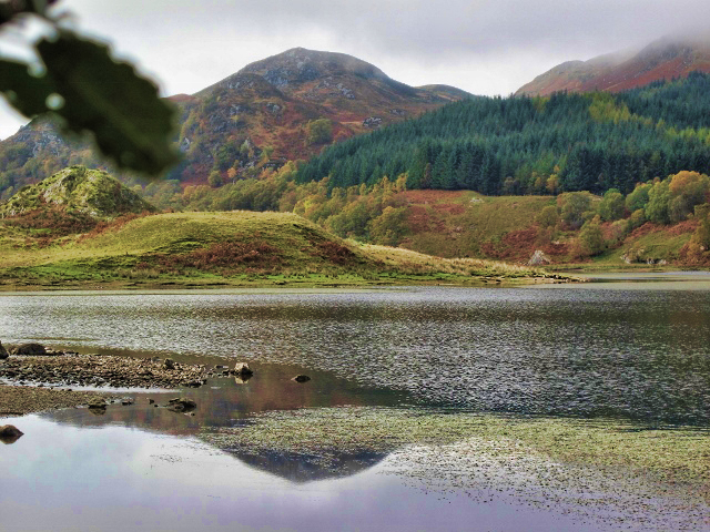 mountain fall reflection (640x480) vib