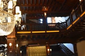 chandelier, elevator (800x533)