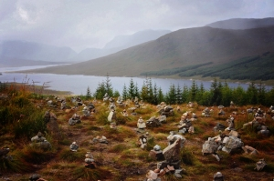 cairns, mist and the loch vignette (800x533)