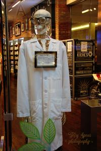 doctor-bones-mall-of-america-900