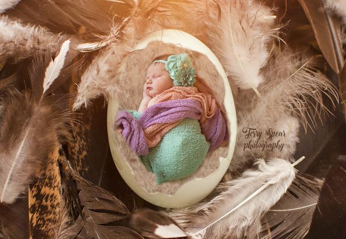 baby in egg2 900