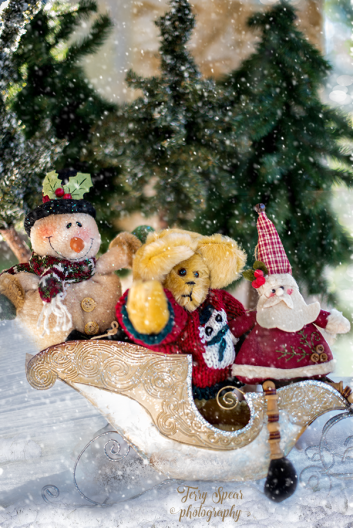 gold teddy bear sleigh 900 007
