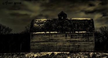 old barn 491 at night 1000
