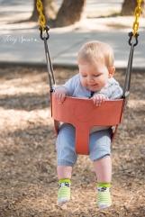 baby swinging 1000 078